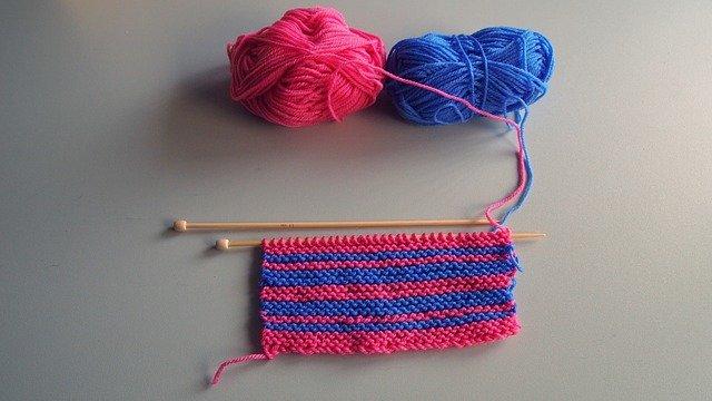 Pletení není jen cool hobby