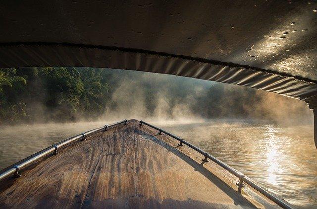 loďk na řece