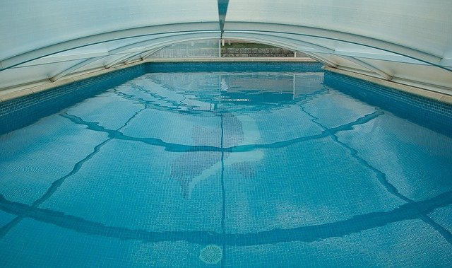 Zamezte studené vodě ve vašem bazénu