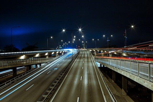 Jak se (ne)chovat na dálnici