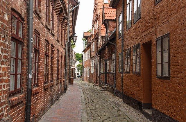 chodník ve městě