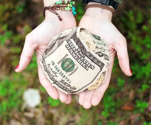 dolary v dlaních